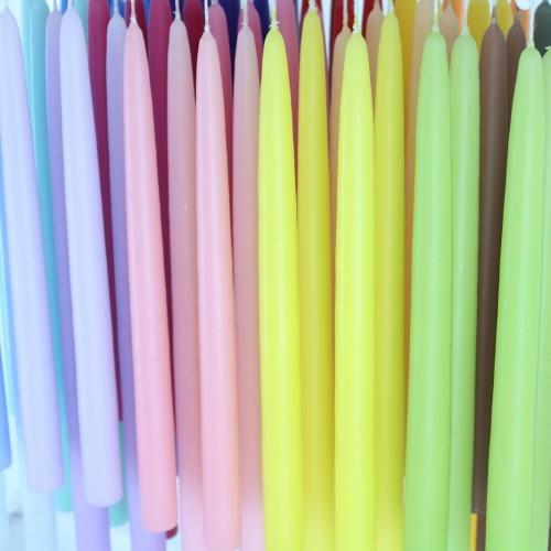 Lyspar i mange forskellige farver, hånddyppet hos kastanielys