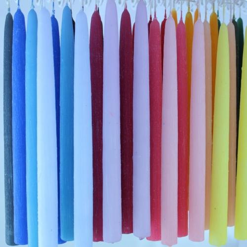 Hånddyppet lyspar med struktur dekoration. Farvet og dekoreret hos kastanielys