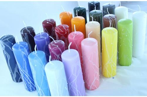 Bloklys med froststreger i forskelige farver dekoreret med froststreger, fåes også med forskellige andre dekorationer.